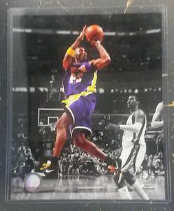 KOBE BRYANT LOS ANGELES LAKERS Unsigned 8 x 10 Photo