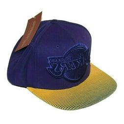 Los Angeles Lakers Hat Snapback Size 7 to 7-3/4 Mitchell & N